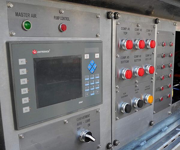 Nâng cấp hệ thống điều khiển của xe thu thập chất lỏng thải