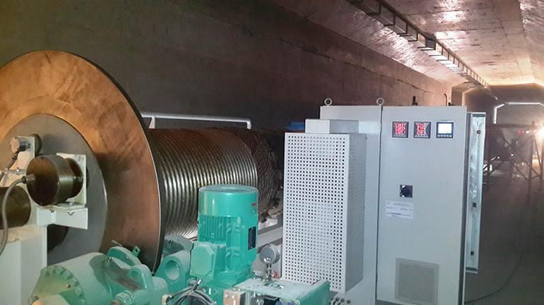 Hệ thống điều khiển cửa đập thủy điện với PLC