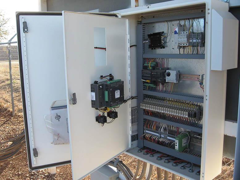 Tủ điều khiển hệ thống máy bơm nước cho thành phố