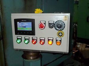 Thay thế bộ điều khiển CNC bằng PLC tích hợp HMI
